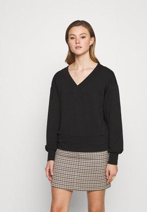 VINEOMA V NECK - Long sleeved top - black