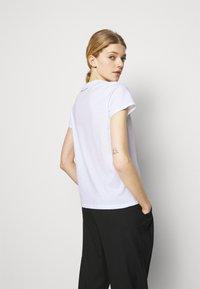 KARL LAGERFELD - SPARKLE PROFILE  - T-Shirt print - white - 2
