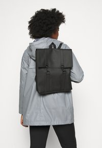 Rains - BAG MINI - Batoh - black - 1