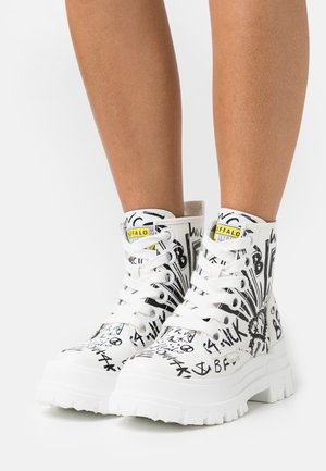VEGAN ASPHA LACE UP - Platform ankle boots - white