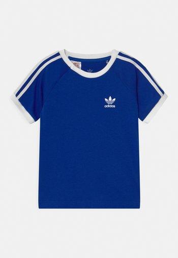3 STRIPES TEE UNISEX - T-Shirt print - royblu/white