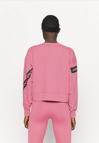 Nike Performance - GET FIT - Sweatshirt - desert berry - 2