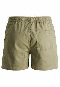 Jack & Jones - JJIJEFF JJJOGGER - Shorts - deep lichen green - 5