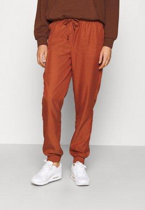 BYDAZZA JOGGER PANTS - Trousers - arabian spice