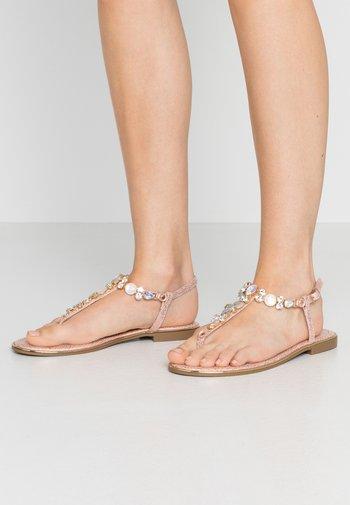 T-bar sandals - rose gold