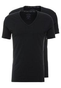 Calvin Klein Underwear - V NECK T SLIM FIT 2PACK - Aluspaita - black - 0