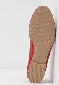 Tamaris - Scarpe senza lacci - ruby - 6