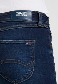 Tommy Jeans - LOW RISE - Jeans Skinny Fit - hawaii dark blue stretch - 5