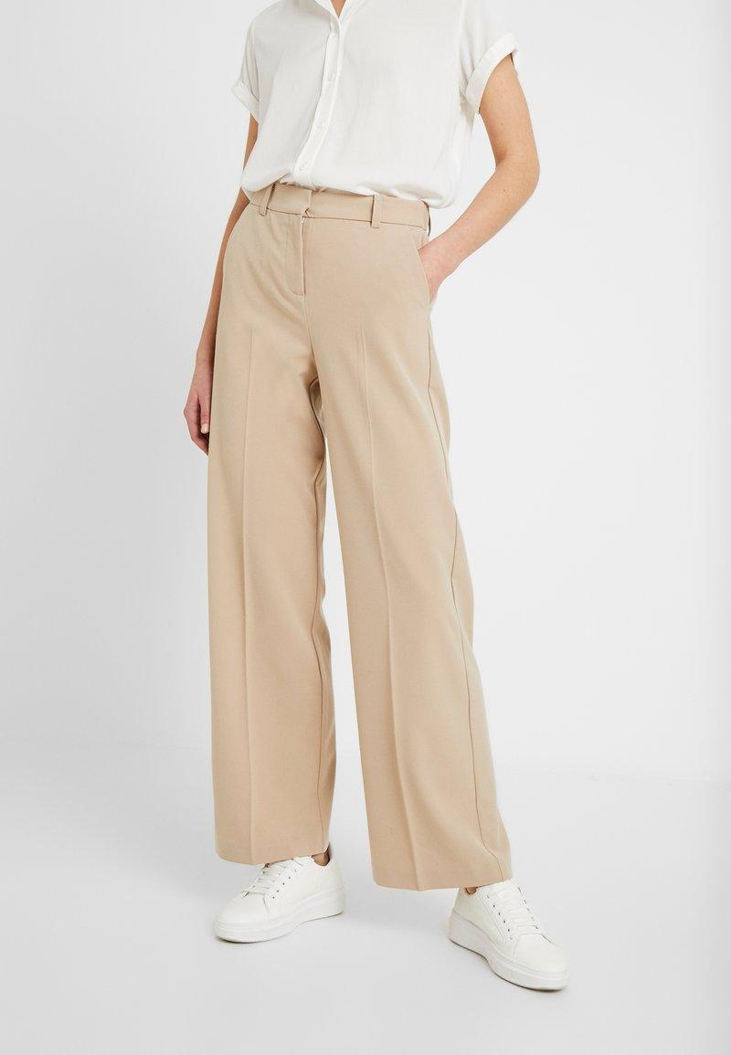 b.young - BYDANTA WIDE LEG PANTS - Trousers - beige