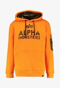 Alpha Industries - FOAM PRINT - Sweat à capuche - alpha orange - 5