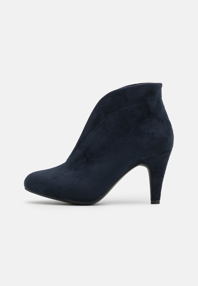 AMUSE - Ankle boots - navy
