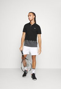 Lacoste Sport - TAPING - Polotričko - black/pitch chine-pitch chine - 1