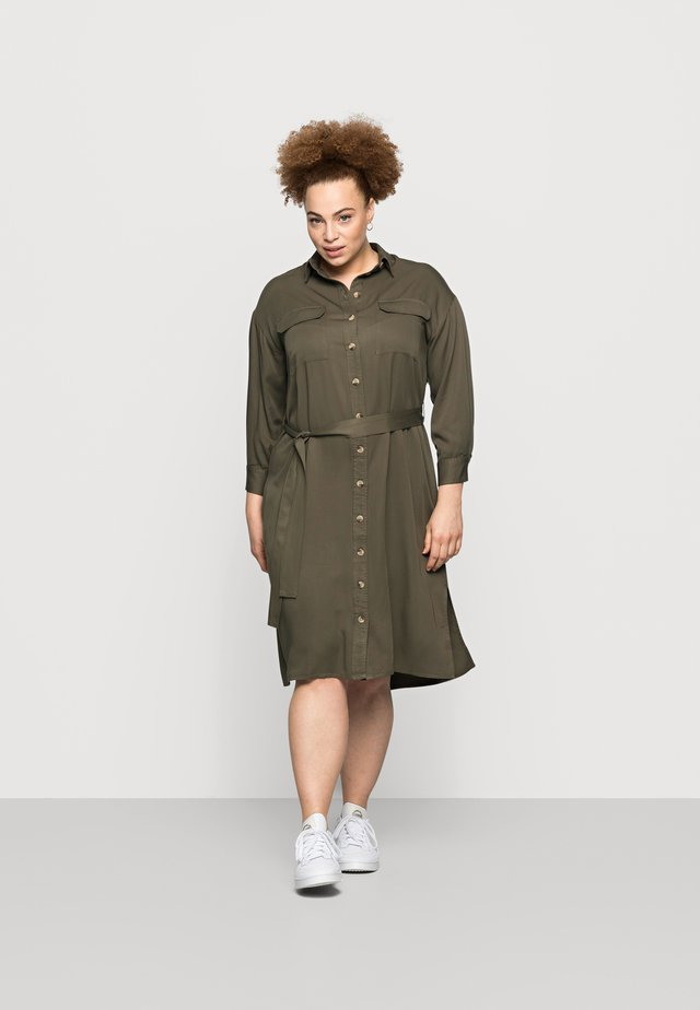 PCGEROMA MIDI SHIRT DRESS CURVE - Blousejurk - sea turtle