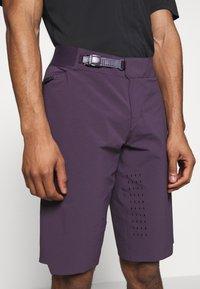 Fox Racing - FLEXAIR SHORT NO LINER - kurze Sporthose - dark purple - 4