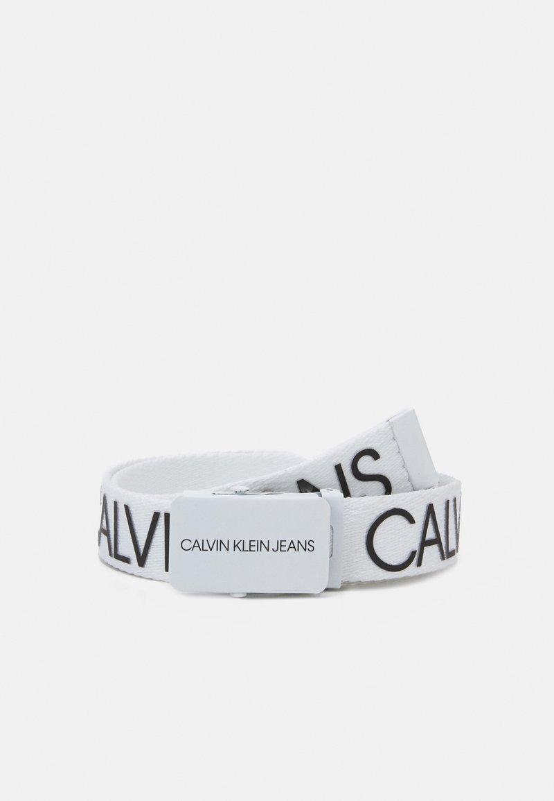 Calvin Klein Jeans - LOGO BELT UNISEX - Bælter - bright white
