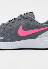 Nike Performance - REVOLUTION 5 UNISEX - Neutral running shoes - smoke grey/pink glow/photon dust/white - 5