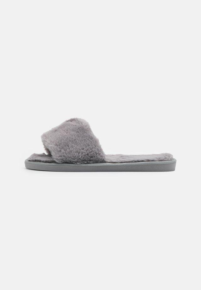 ISLA - Slippers - grey