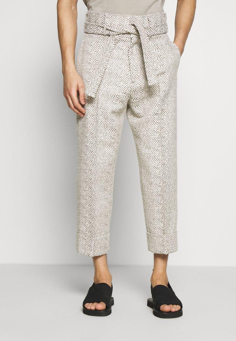 Martin Asbjørn - DAVID TIE UP TROUSERS - Trousers - beige
