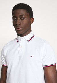 Tommy Hilfiger - TIPPED SLIM FIT - Pikeepaita - white - 3