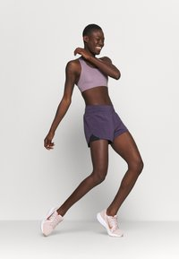Nike Performance - ECLIPSE SHORT - Urheilushortsit - dark raisin - 1