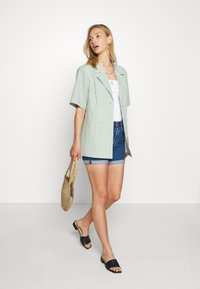 Levi's® - 501® MID THIGH - Shorts di jeans - charleston shadow - 1