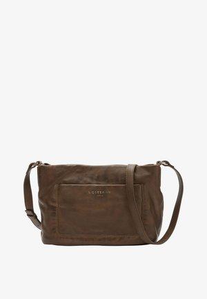 EVER CROSSBODY M UMHÄNGETASCHE AUS SOFTLEDER - Across body bag - dark oliv green