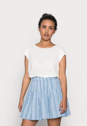 ONLVIC SOLID PETIT - Print T-shirt - cloud dancer