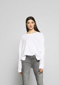 DRYKORN - LAIMA - Sweatshirt - white - 0