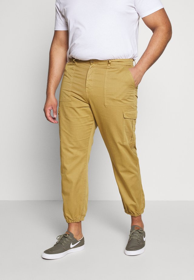 PLUS TROUSERS - Cargobukser - sand