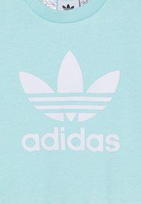 adidas Originals - CREW SET UNISEX - Tracksuit - clear aqua/white - 5