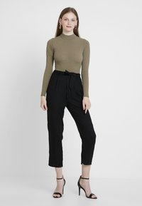 Monki - PALEY TROUSERS - Broek - black