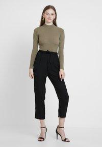 Monki - PALEY TROUSERS - Pantalones - black - 1