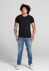 Liger - LIMITED TO 360 PIECES - Basic T-shirt - black - 1