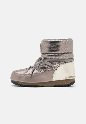 LOW MORITZ WP - Zimní obuv - platinum