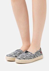 Grand Step Shoes - TIM - Espadrilles - multicolor - 0
