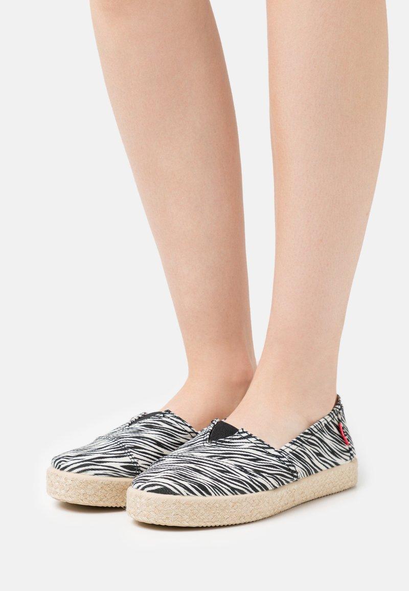 Grand Step Shoes - TIM - Espadrilles - multicolor