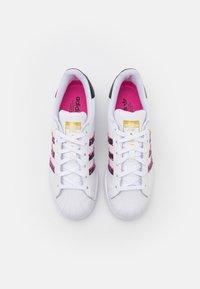 adidas Originals - SUPERSTAR - Tenisky - footwear white/screaming pink/core black - 4