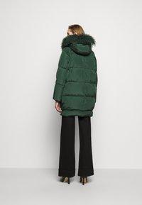MAX&Co. - MUGHETTO - Kabát zprachového peří - green - 2