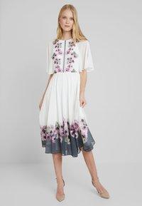 Ted Baker - BEGONI - Cocktail dress / Party dress - ivory - 0