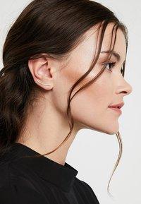PDPAOLA - AMELIE EARRINGS - Náušnice - gold-coloured - 1