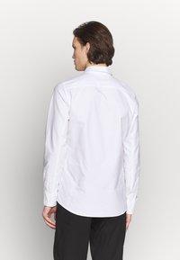 Filippa K - TIM OXFORD - Košile - white - 2