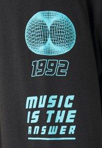 Urban Threads - GRAPHIC LONG SLEEVE TOP - Print T-shirt - black - 8