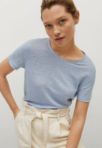 Mango - LISINO - T-shirt basique - hemelsblauw - 3