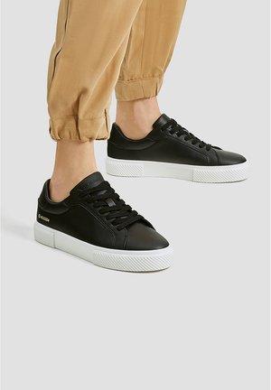 SNEAKER MIT KOORDINATEN 11209540 - Sneakers - black