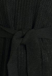 Missguided Tall - NECK BASIC DRESS WITH BELT - Jumper dress - black - 2