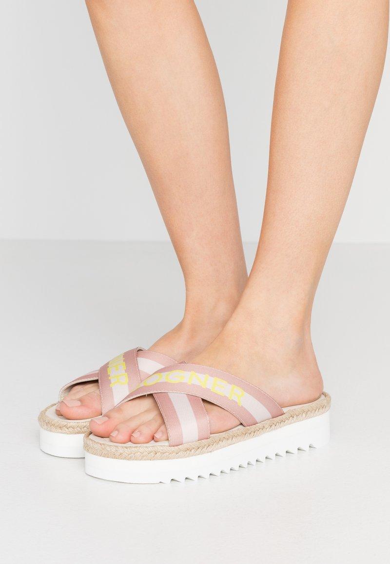Bogner - POSITANO - Pantofle - silver/offwhite/beige