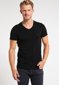 Tommy Hilfiger - Basic T-shirt - flag black - 0