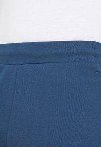 Tommy Hilfiger - LOGO SHORT - Sports shorts - blue - 3