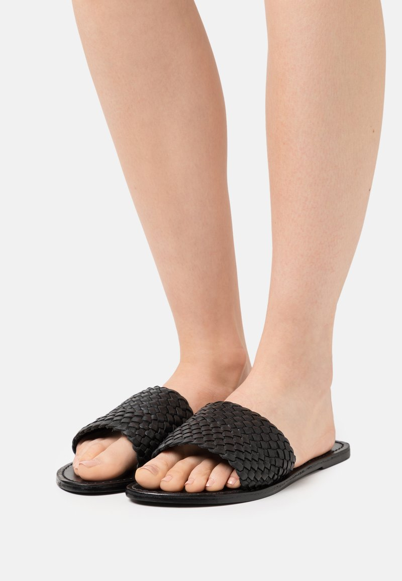 YAS - YASBRADY  - Pantofle - black