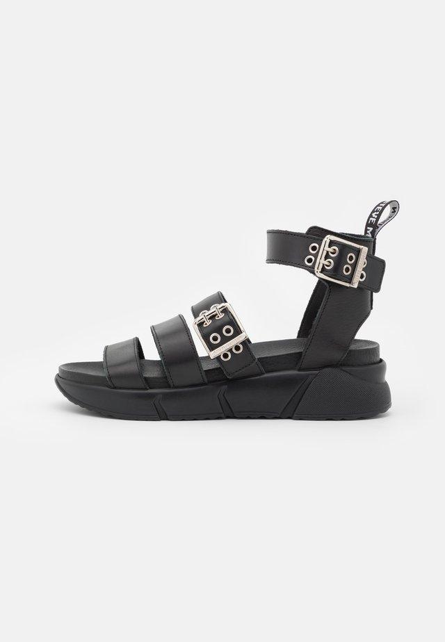 MILTA - Sandales à plateforme - black